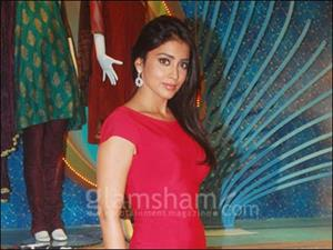 Shriya Saran delighted with positive response for MIDNIGHT'S CHILDREN