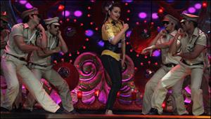 Sonakshi was terrified to do item song in front of dad