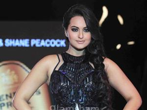 Sonakshi Sinha to commence her debut South project from May