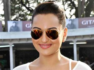 Sonakshi to share screen space with mother Poonam Sinha