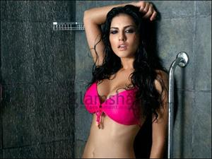 Sunny Leone signs 3-film deal with Alumbra