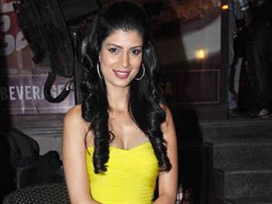 TABLE NO. 21 girl Tena Desae choosy about her co-stars