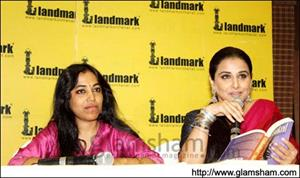 Vidya Balan enthralls audience with her UNHOOKED book reading
