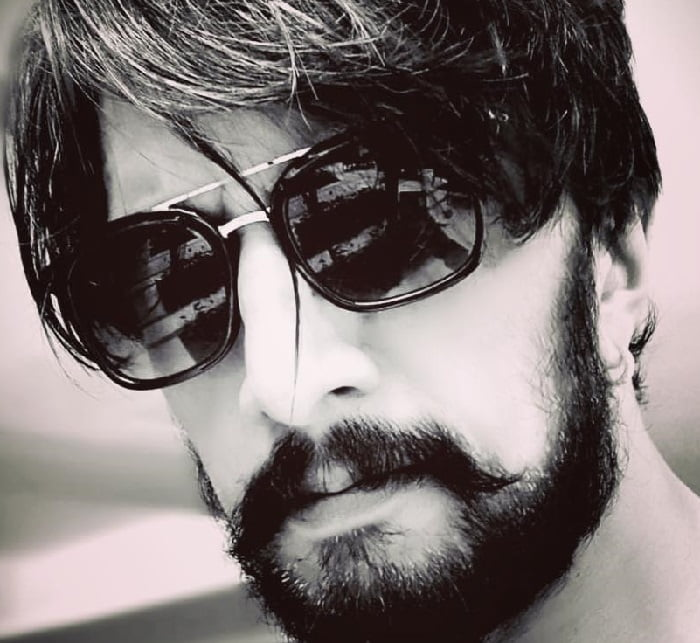 Kichcha Sudeep on daughter's b'day Stay happy, stay blessed