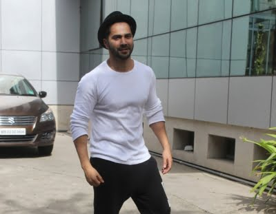 Varun Dhawan shared a selfie from his workout schedule