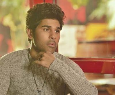 Allu Sirish shows what happens when one is not praying properly