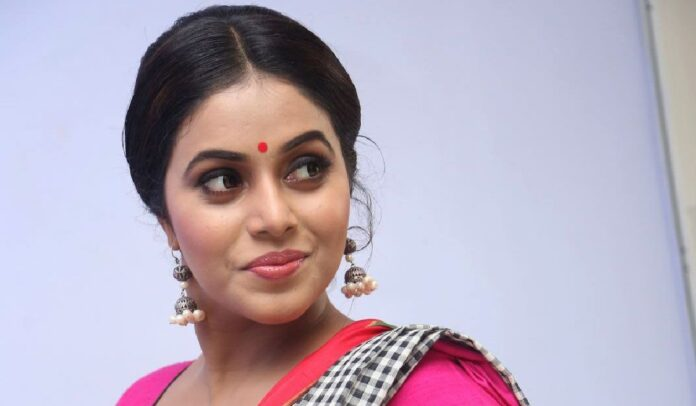4 arrested for threatening South Indian actress Shamna Kasim