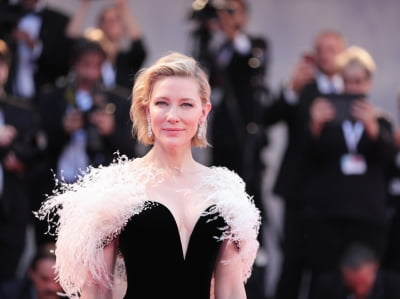 Cate Blanchett cut her head in a 'chainsaw accident'