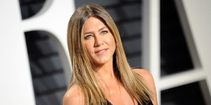 Jennifer Aniston auctions off her iconic portrait for a good cause