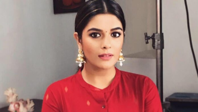 Pooja Gor back to painting mode