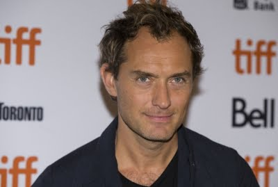 Jude Law to play Captain Hook
