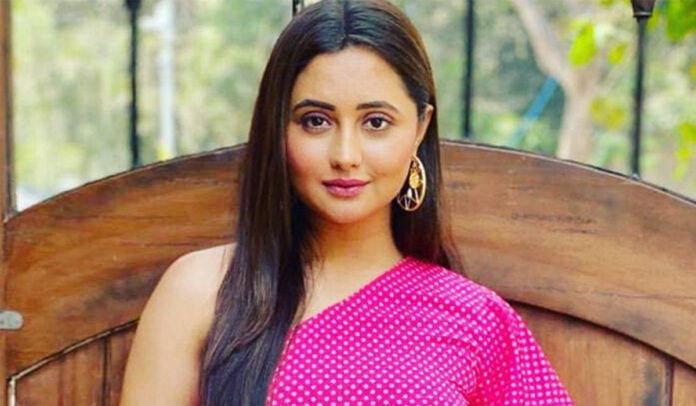 Rashami Desai shares a throwback 'River Rafting' picture from the hills