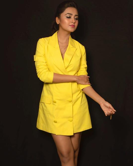 Tejasswi Prakash is a ray of sunshine in a yellow Tuxedo Dress