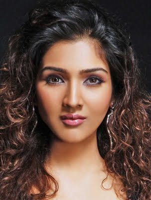 Tina Ahuja excited about 'Driving Me Crazy'
