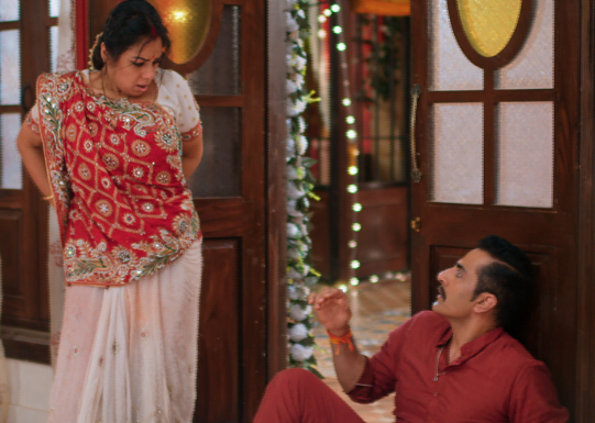 Anupamaa is uncontrollable, tries to run away from Vanraj