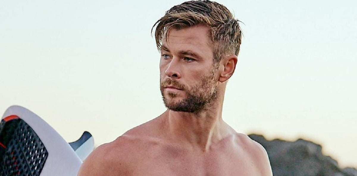 Chris Hemsworth flaunts toned body during vacation with family