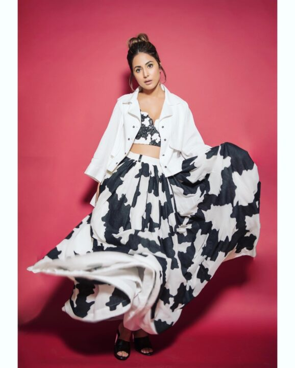 Hina Khan looks stunning in this monochrome outfit which she donned inside the house!