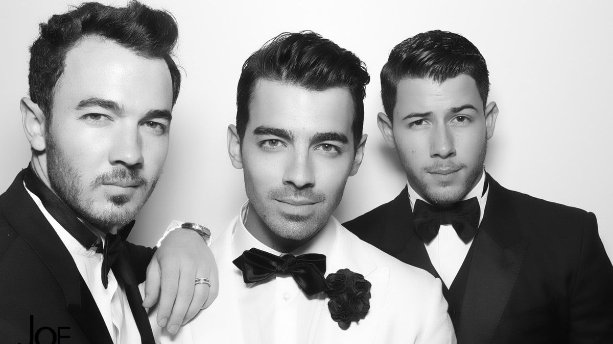 Jonas Brothers release 'I Need You Christmas'