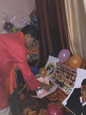 Lucknow lawyer holds special puja on Big B's birthday