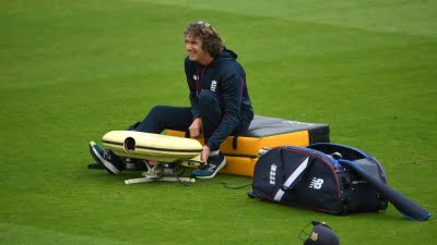 Ex-England wicketkeeper Bruce French retires from coaching role