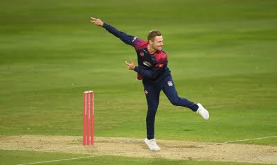 Graeme White signs contract extension with Northamptonshire
