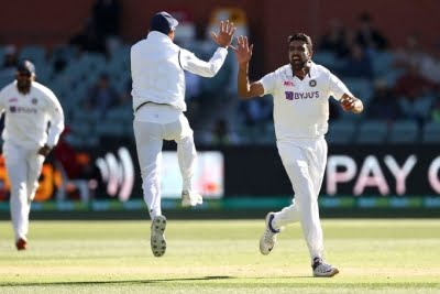 Ashwin picks two to give India edge in first session of 2nd Test (Ld)