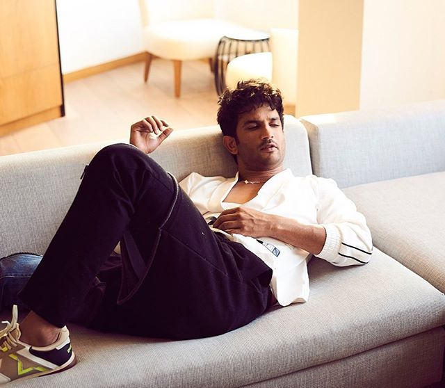 Sushant Singh Rajput on a couch sofa (pic courtesy: instagram)