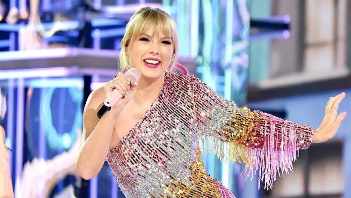 Taylor Swift's adorable Twitter exchange with Dionne Warwick is all you need to see