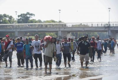 2 men sentenced for transporting 118 Central American migrants in cargo truck