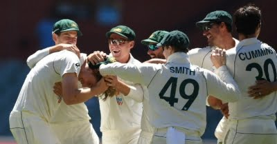 Aussies have a Christmas Day out ahead of Boxing Day Test