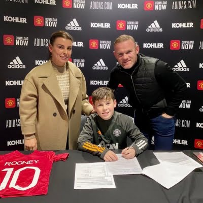 Wayne Rooney's 11-year-old son signs for Man Utd academy
