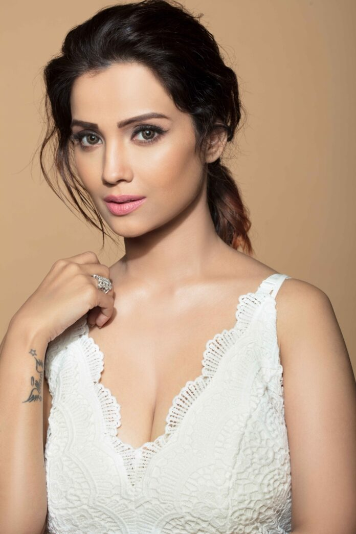 Actress Adaa Khan