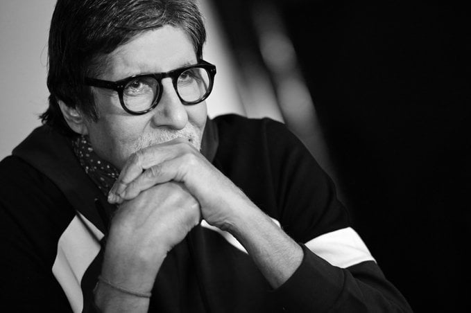 Amitabh Bachchan wishes fans a Merry Christmas today