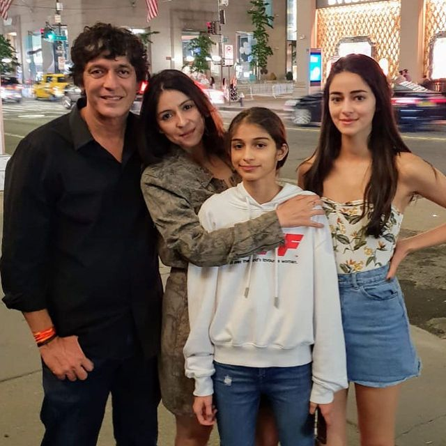Bhavna Pandey with Chunky daughter Ananya Panday in an instagram post