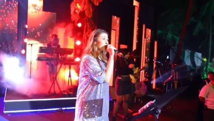 Dhvani Bhanushali back on stage