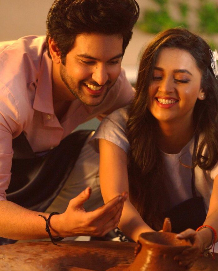 Shivin Narang and Tejasswi Prakash reunite after Sunn Zara!
