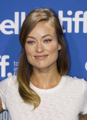 Olivia Wilde moves in with Harry Styles?