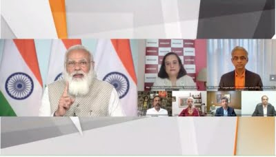 Trying to free IT industry from unnecessary regulations: Modi