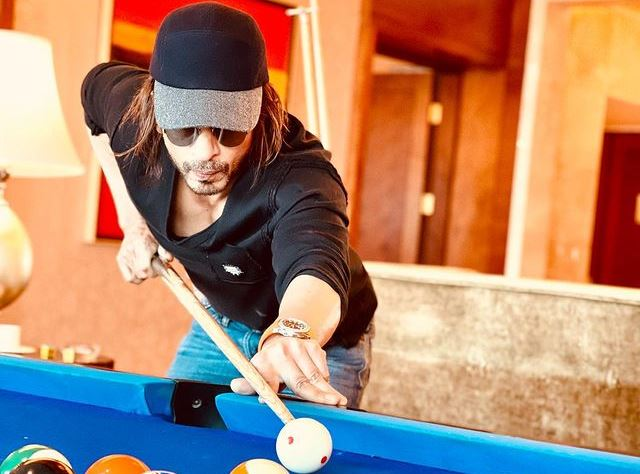 Shah Rukh Khan at the Billiards / Snooker table