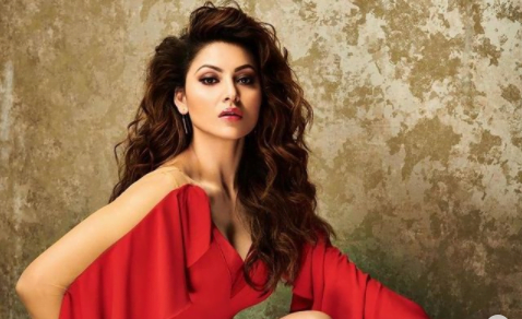 Urvashi Rautela celebrates Rose Day in her own special way