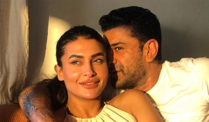 We are crushing over Eijaz Khan and Pavitra Punia' sunkissed picture