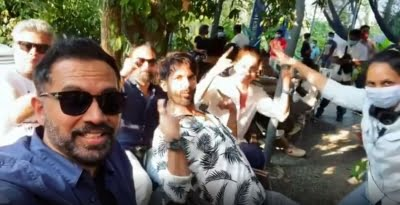 Shahid Kapoor joins 'Pawri mash-up' brigade