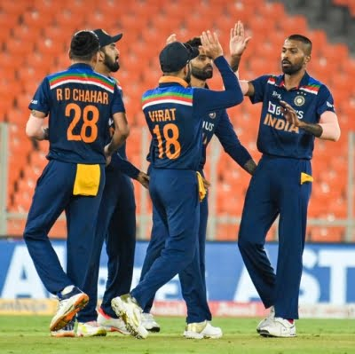 Pacers, Yadav help India square T20I series