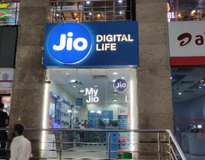 Jio partners Firework for video 'stories'