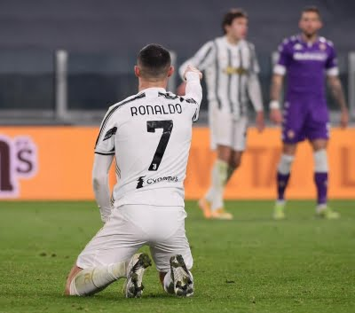 Juve's title hopes slim after 1-0 loss to Benevento