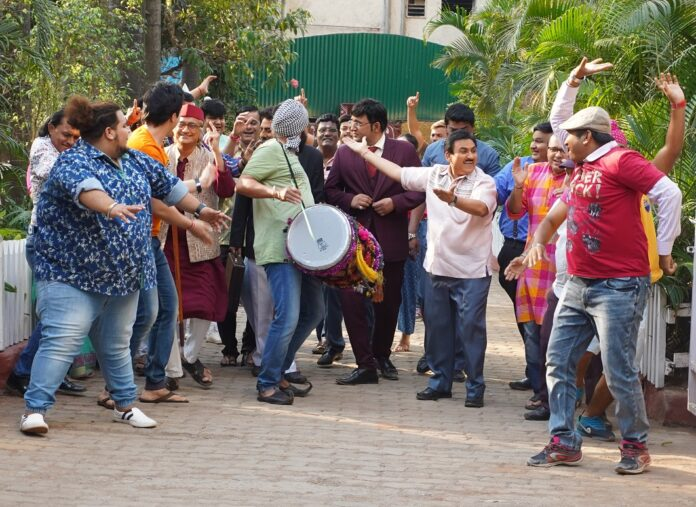 Gokuldhaam wasis celebrate their victory in TMKOC