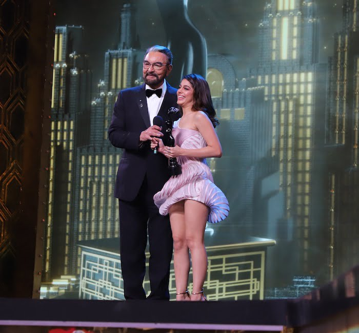 Kabir Bedi hands over the award for the Best Debutant Actor Female to grand daughter Alaya F