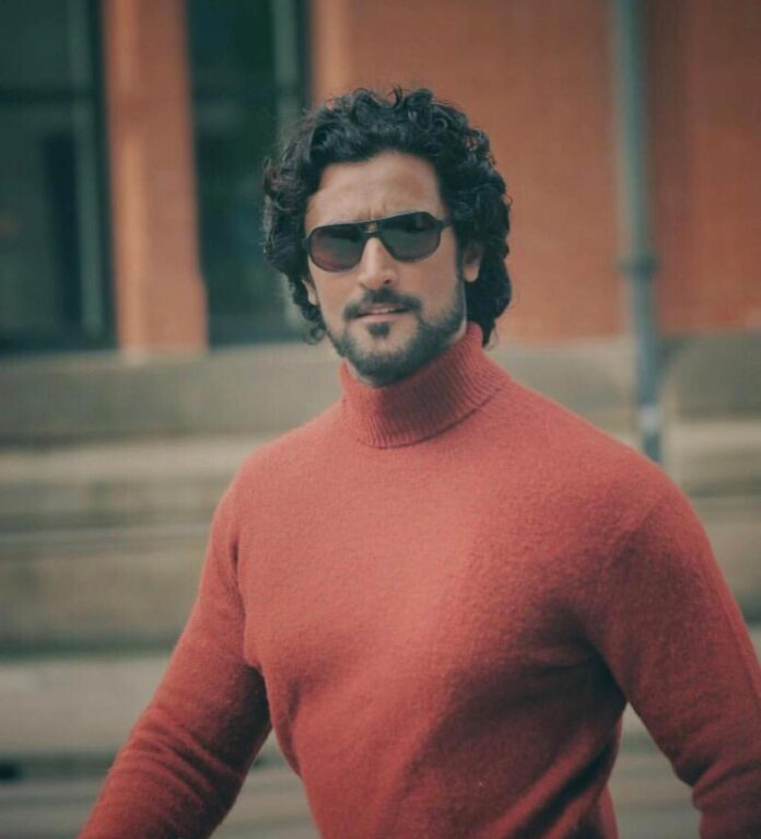 Kunal Kapoor a perfect fit as a pulp fiction author