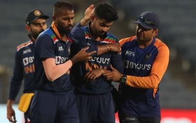 Iyer to exit Eng series bio-bubble after shoulder injury