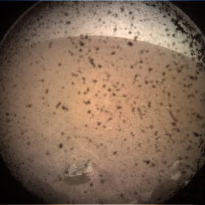 Martian subsurface has ingredients for present-day microbial life